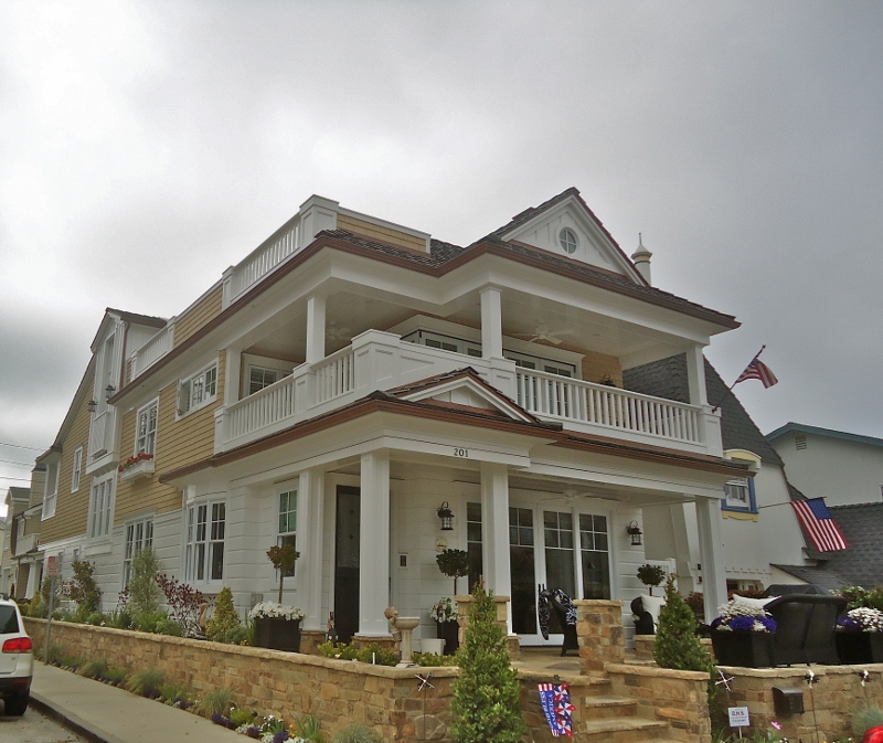 106 Abalone Ave Newport Beach CA 92662 - Balboa Island