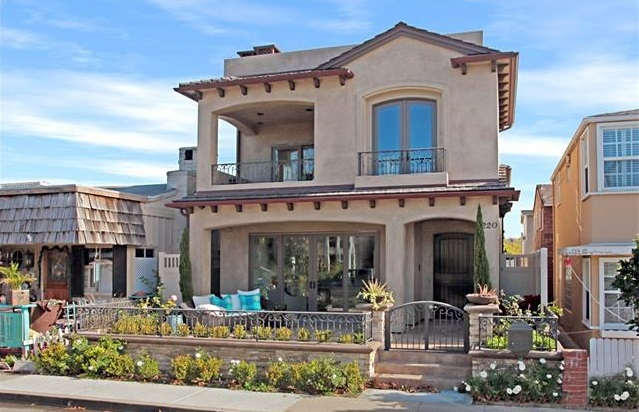 220 Sapphire Avenue Balboa Island Home For Sale