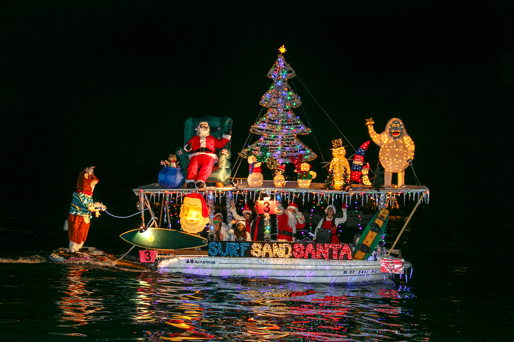 Balboa Island Christmas Boat Parade Of Lights 2013